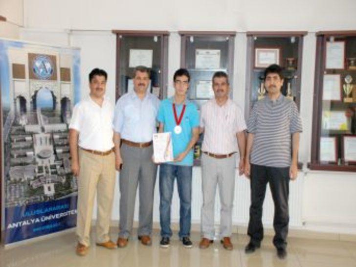 Özel Kahramankent Lisesi, Biyoloji Olimpiyatında Dünya Üçüncüsü
