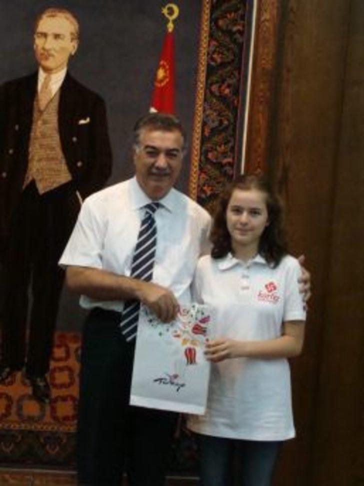 Vali Kerem Al, SBS'de Başarılı Öğrencileri Ödüllendirdi