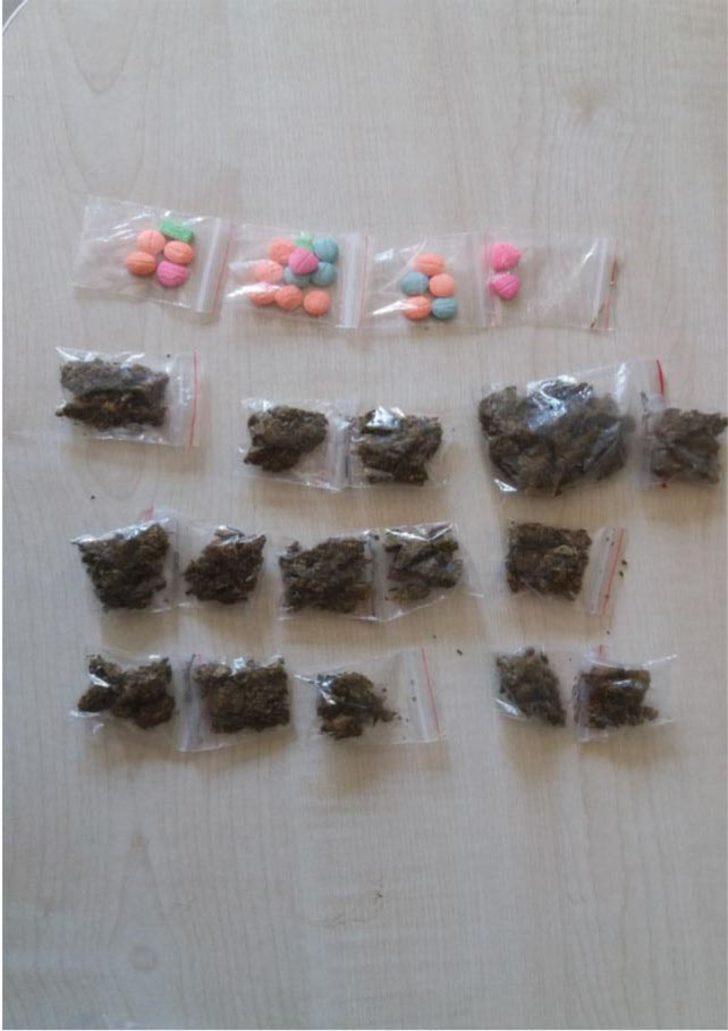 Karşıyaka'da uyuşturucu ticaretine 2 tutuklama