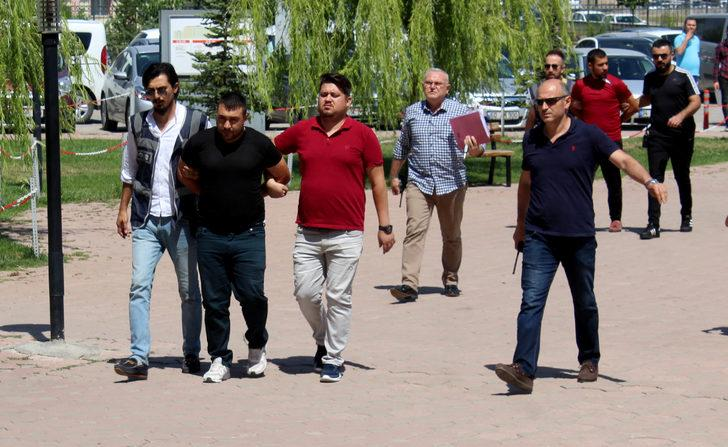 Çalıntı otomobilde yakalanan gaspçılar tutuklandı
