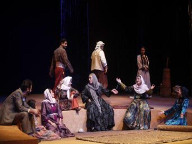 Adana Devlet Tiyatrosu Anadolu Yollarında