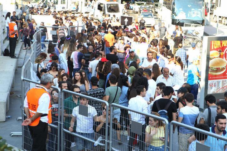 İstanbul'da Shakira izdihamı! Konser öncesi uzun kuyruklar oluştu