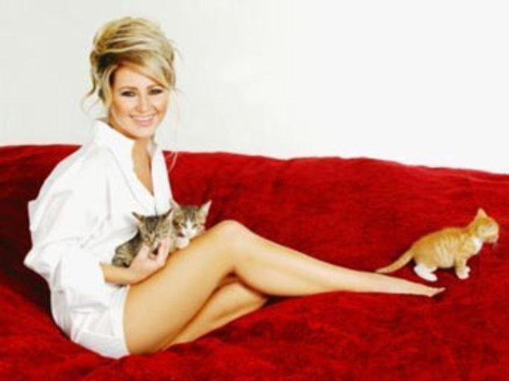 Pınar Aylin, köpeği Roxi'yi kaybetti