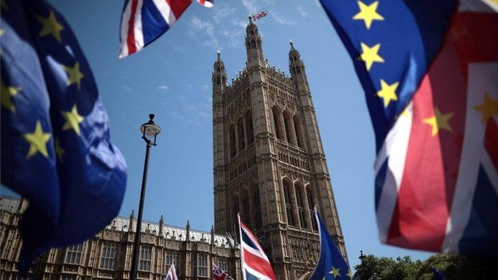 Brexit: İngiltere AB'den çıkış yol haritasını bugün açıklıyor