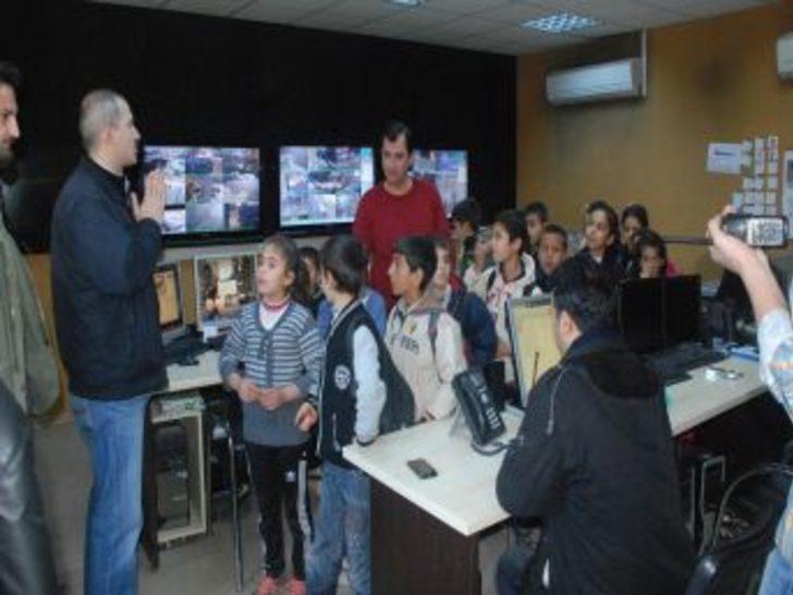 Kızıltepeli Çocuklar Emniyeti Gezdi, Polis Telsizinden Kürtçe Anons Yaptı