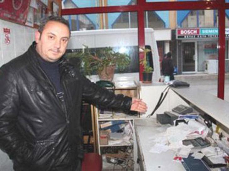 Suşehrin'de hırsızlar tuvaleti bile soydular
