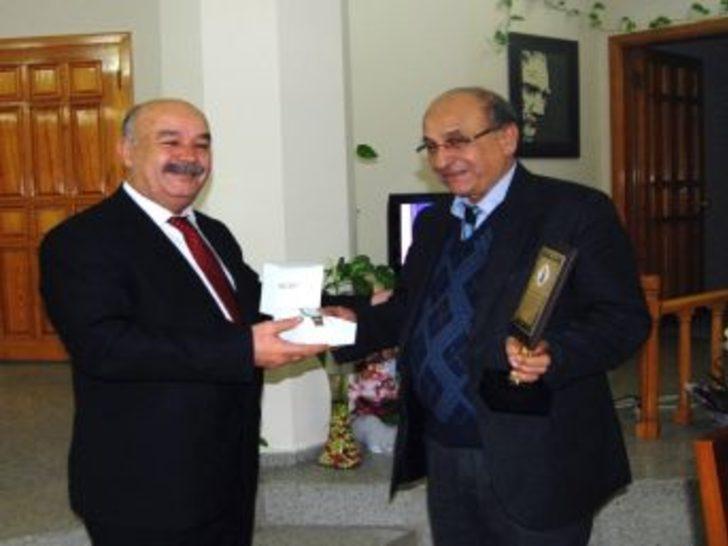 Milet Müze Müdürü Bilici den Veda Ziyareti - Aydın Haberleri 97dd91325f3