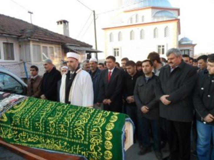 Kayınpederi tarafından öldürülen Ayşe Günay toprağa verildi