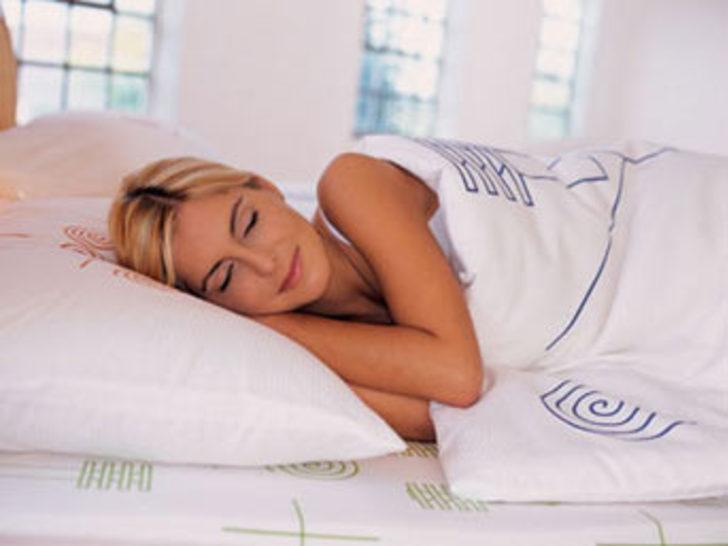 Kadınlar mı erkekler mi daha uykucu?