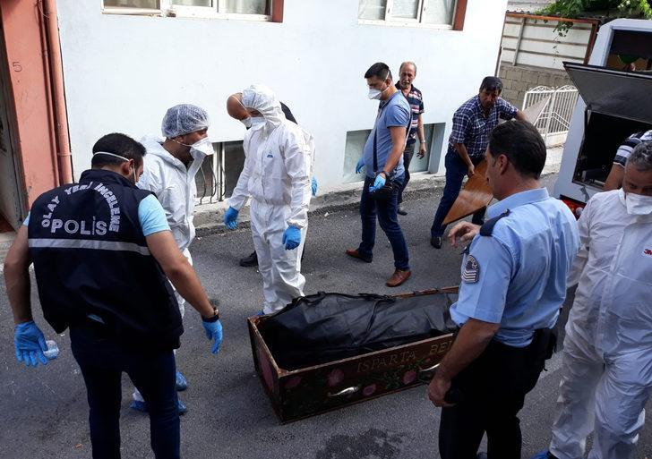 Üniversite öğrencisi apartta ölü bulundu