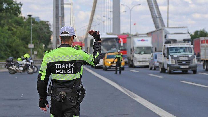 İstanbul trafiğine 15 Temmuz etkinlikleri düzenlemesi | İstanbul'da bugün hangi yollar kapalı?