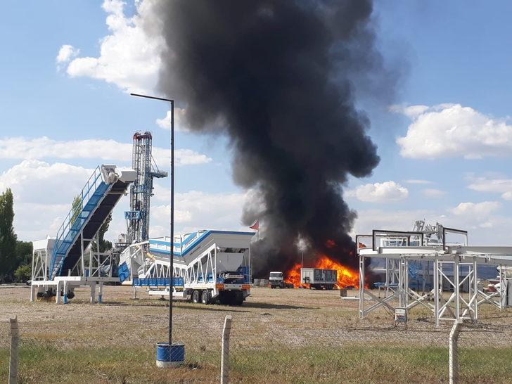 Gölbaşı'nda fabrika yangını (1)
