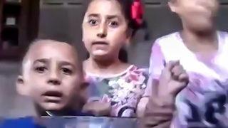 Çocuklar video çekerken İsrail saldırdı