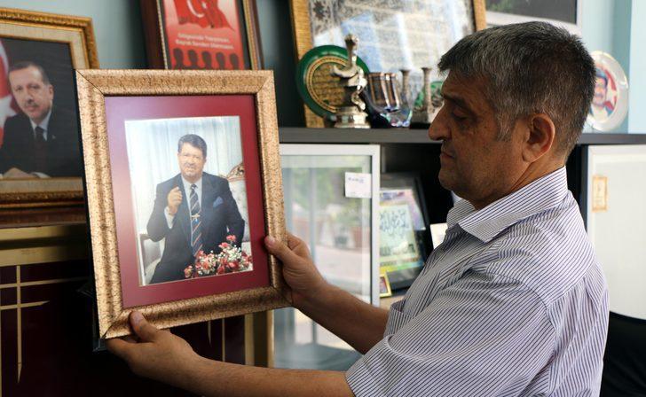 Turgut Özal'ın kravatını 30 yıldır sergiliyor
