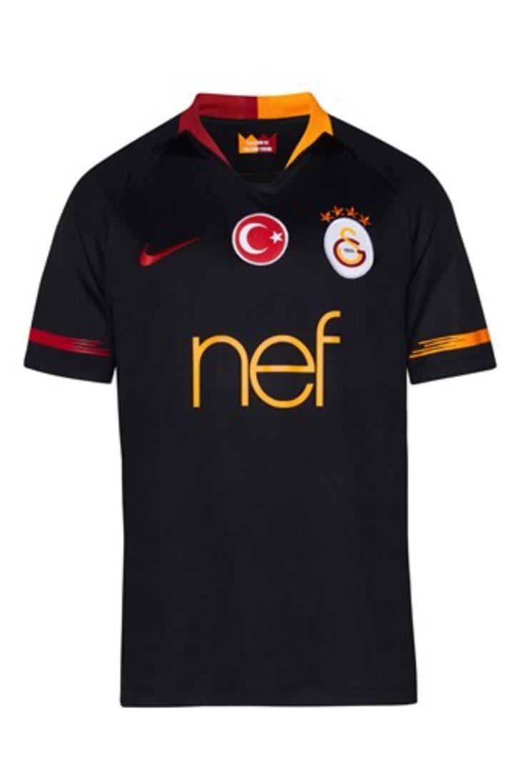 Galatasaray, 2018-2019 dış saha formasını tanıttı
