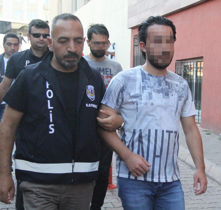 Kayseri merkezli FETÖ operasyonunda 11 asker adliyede