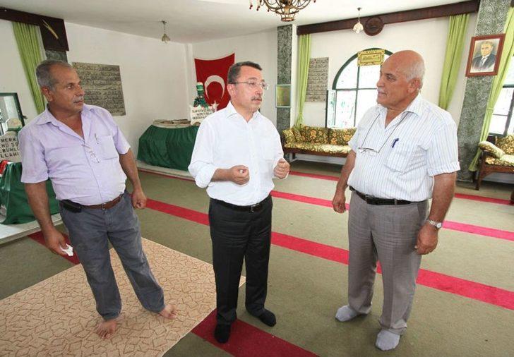 Başkan Öztürk, Bilal-i Habeş'in Makamını Ziyaret Etti