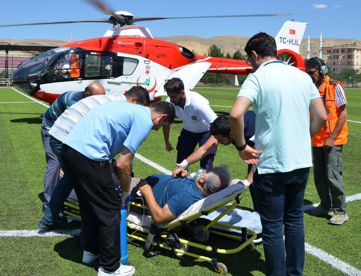 Kalp krizi geçirdi, ambulans helikopterle sevk edildi