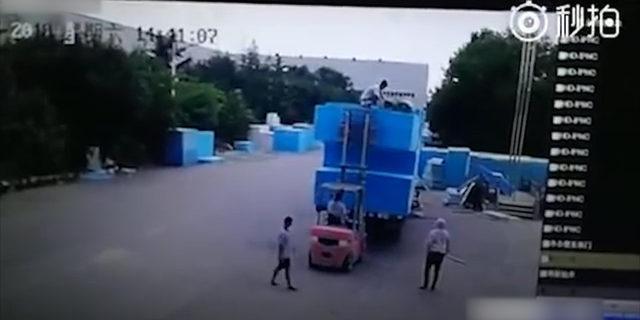 İşçi beton zemine çakıldı