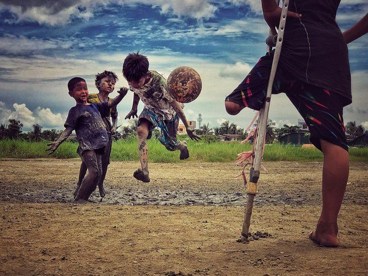 Zarni Myo Win (Yılın Fotoğrafçısı Üçüncülük Ödülü)