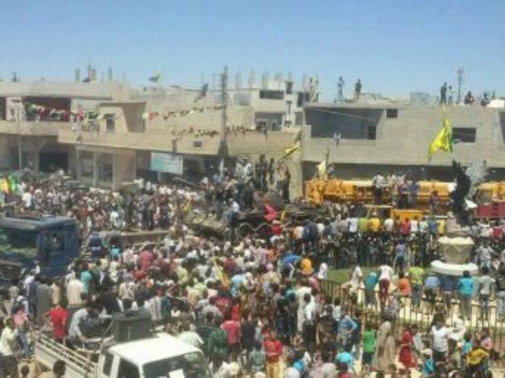 PKK/PYD Nusra'dan Elde Ettiği Tankları Kobani'ye Getirdi