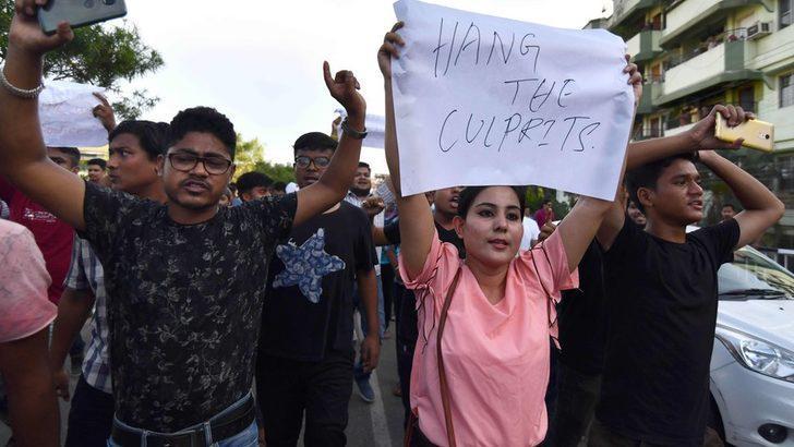 WhatsApp linç olaylarından sonra Hindistana'da haber paylaşım sınırı koydu