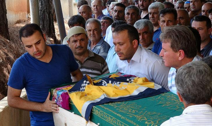 112 çalışanı Tuğba, yeleği tabutuna örtülerek son yolculuğuna uğurlandı