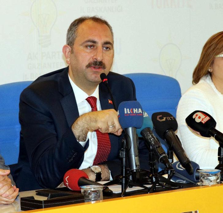 Bakan Gül: 15 Temmuz'un FETÖ'yle doğrudan ilgili olduğuna dair çok önemli delil bulundu (2)