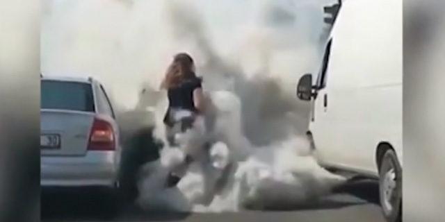 Kadın sürücüyü egzoz dumanına boğdu!