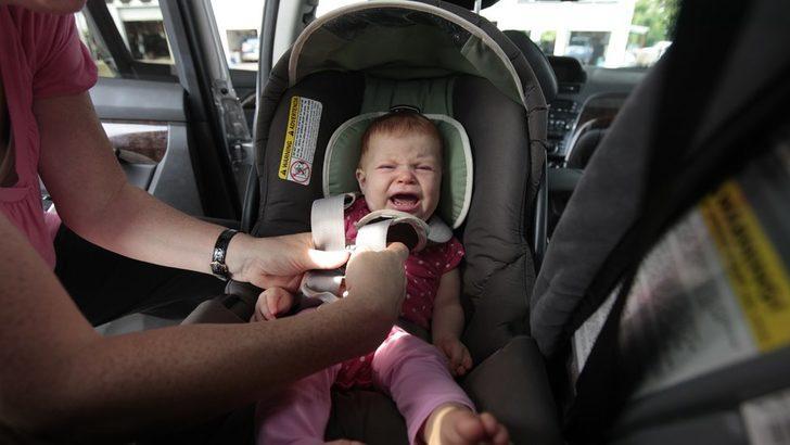 İtalya'da bebeklerin arabada unutulmaması için alarmlı koltuk zorunluluğu geliyor