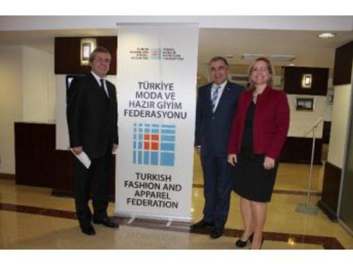 10aea661508b5 Tekstilciler 2014'e Umutlu Giriyor. İzmir'de bir araya gelen Türkiye tekstil  ve hazır giyim sektörünün ...