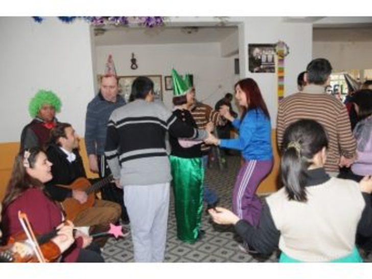 Manisa Ziçev'de Yeni Yıl Kutlaması