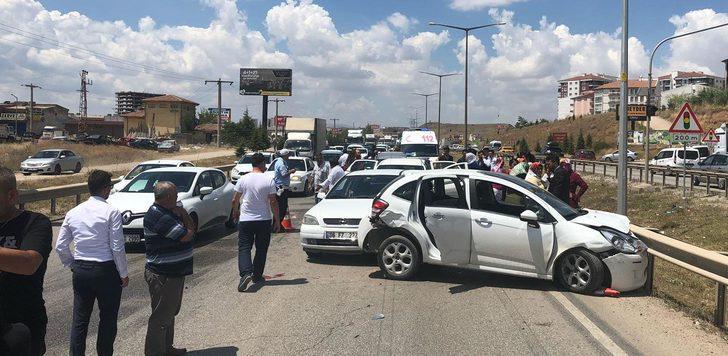 Düğün konvoyunda kaza: 8 yaralı