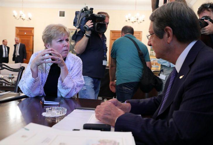 BM TemsilcisiLute, Kıbrıs'ta temaslarına başladı
