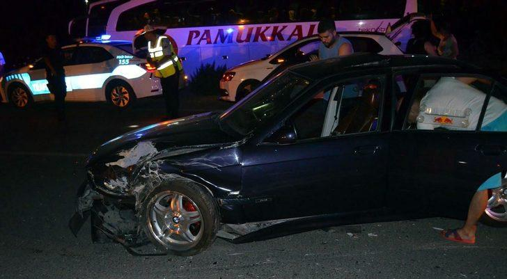 Didim'de otomobiller çarpıştı: 7 yaralı