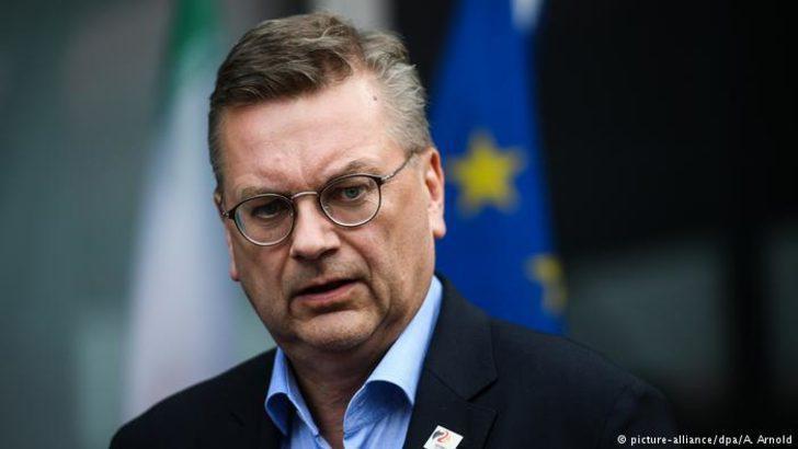 Alman Futbol Federasyonu Başkanı'na istifa çağrıları