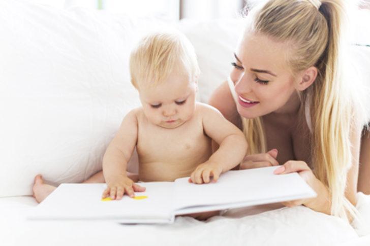 Bebeğin eğitimi ve gelişimi için evde oyunlar yaratın!
