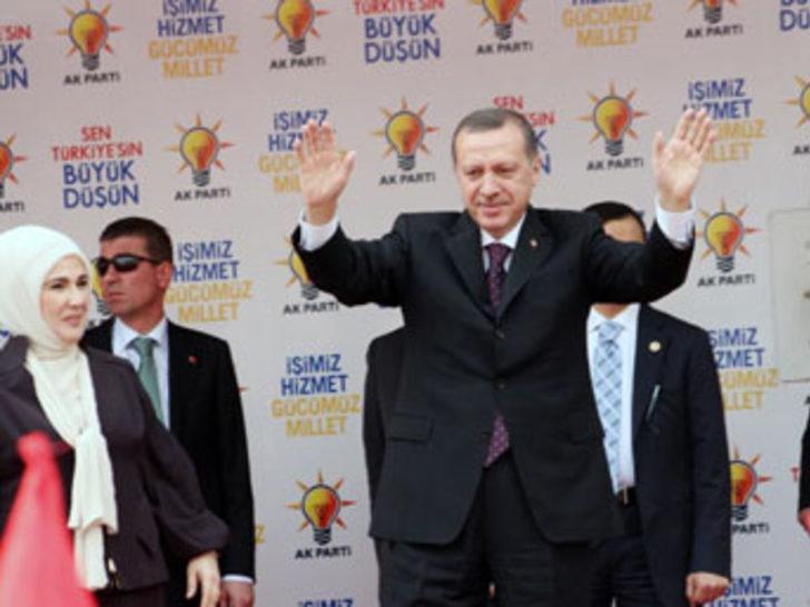 """Erdoğan """"siyasi"""" rock yıldızı"""