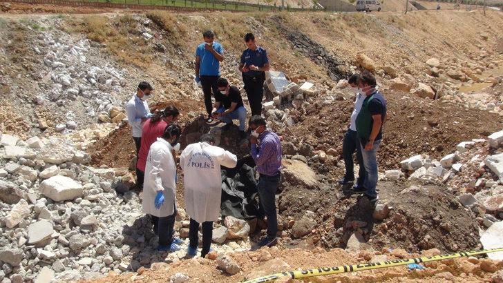 Şanlıurfa'da vahşet! 2 yaşındaki Suriyeli kız çocuğu başı kesilmiş halde toprağa gömülü olarak bulundu!