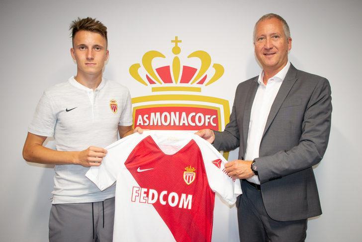 Monaco Aleksandr Golovin ile 5 yıllık sözleşme imzaladı!