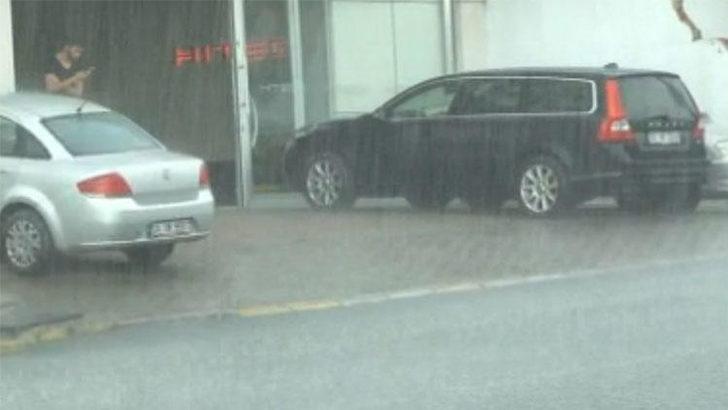 İstanbullulara pazar günü şoku! Sağanak yağış etkili oldu