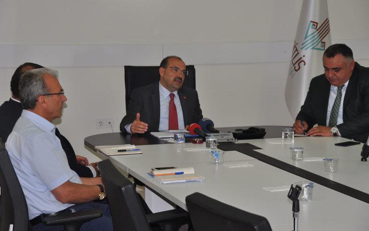 Bitlis Valisi Ustaoğlu'ndan ishal vakalarıyla ilgili açıklama