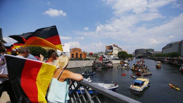 Almanya'da 'MeTwo' Fırtınası
