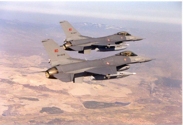 Gara bölgesine düzenlenen hava harekâtında silahlı iki terörist etkisiz hale getirildi