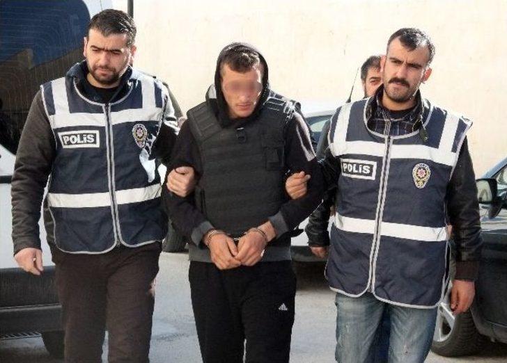 Liseli Gencin Katil Zanlısı Tutuklandı