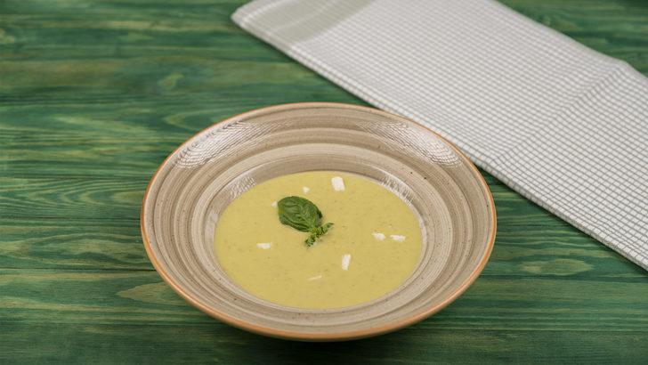 İster Sıcak İster Soğuk İçebilirsiniz: Bezelye Çorbası