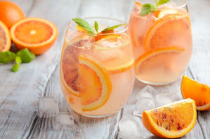 En sıcak havada bile serinlemenize yardımcı olacak 8 içecek