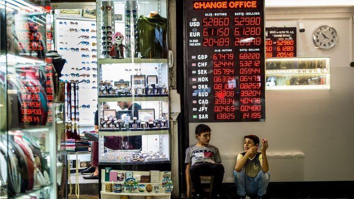 Türk Lirası'ndaki değer kaybı döviz borcu olan şirketleri nasıl etkiliyor?