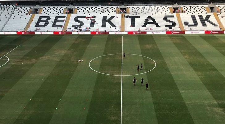 Vodafone Park'ın zemininin bozukluğu, LASK Linz maçı öncesi dikkat çekti!
