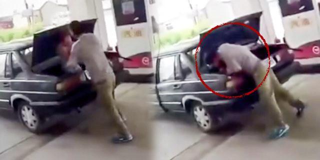 Karısıyla kavga eden adam ceza olarak onu arabanın bagajına kilitledi